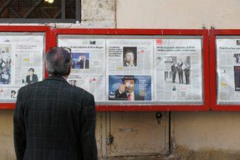 Newspaper-Politics